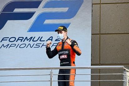 Bahrain F2: Drugovich wins opener as Ilott closes gap to Schumacher