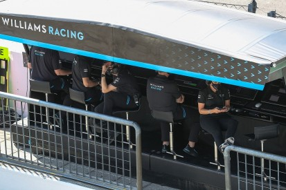 """F1 staff working remotely is """"phenomenally difficult"""" - Robson"""