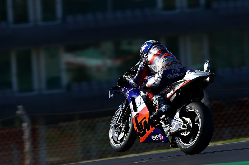 MotoGP Portugal: Oliveira takes home pole for Portimao finale
