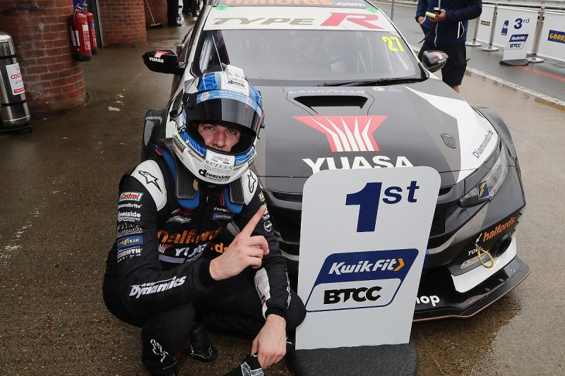 Brands Hatch BTCC: Cammish wins race one, Sutton takes points lead
