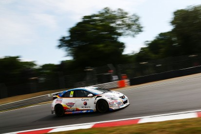 Brands Hatch BTCC: Hill leads practice, Sutton heads title chasers