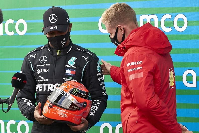 "Ricciardo lauds ""coolest gift"" from Schumacher family to Hamilton"