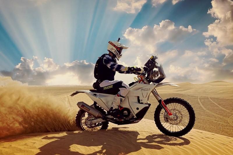 TT winner Hillier to contest Dakar in 2022, renews OMG roads deal