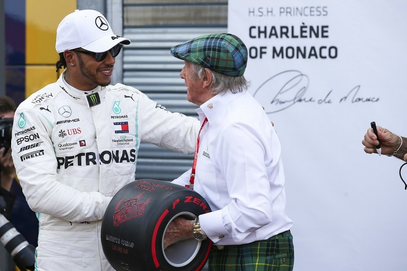 """Hamilton unsure why older drivers have """"bee in their bonnet"""" on F1 success"""