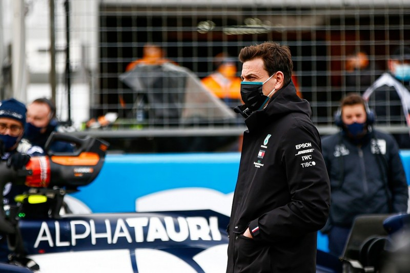 """Wolff: DAS not a """"game changer"""" for Mercedes in cold Eifel GP"""