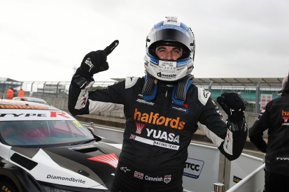 Silverstone BTCC: Cammish dominates to take second consecutive pole position