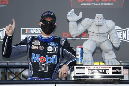 NASCAR Dover: Harvick wins, Johnson grabs third despite penalty