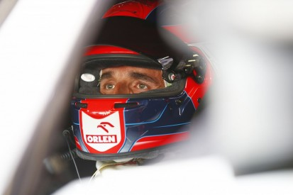 Kubica hints at 'bigger problems' after failing to score DTM points