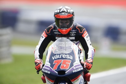 Austria Moto3: Arenas steals win from Masia in chaotic race