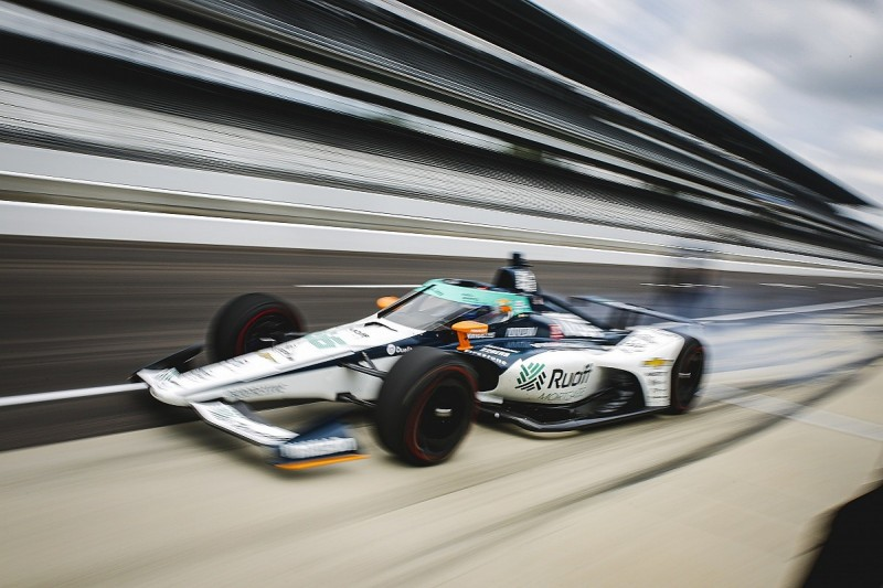 """Renault F1 boss """"hardly breathing"""" while Alonso competes at Indy 500"""