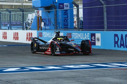 Berlin E-Prix V: Rowland dominates from pole for first FE win