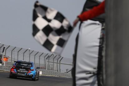 BTCC Brands Hatch R2: Turkington fends off Ingram for win