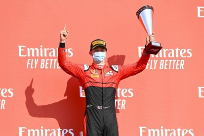 Silverstone F2: Ilott dominates feature race to take points lead