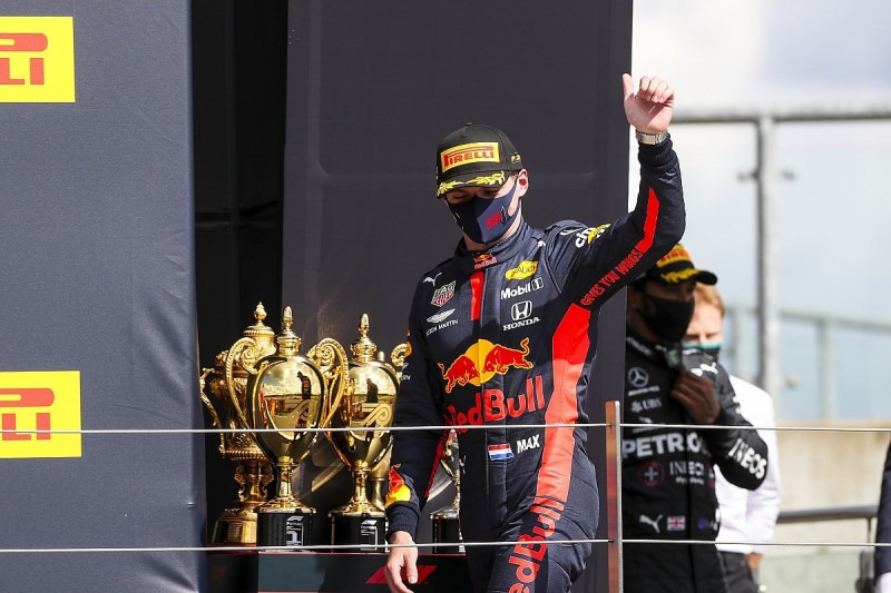 """Verstappen """"lucky and unlucky"""" with second after Mercedes F1 tyre punctures"""