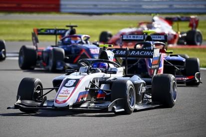 Silverstone F3: Smolyar resists Beckmann challenge for maiden win