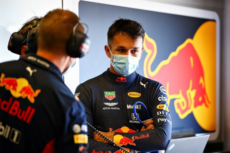 Albon gets Ricciardo's old engineer Rennie in Red Bull technical reshuffle