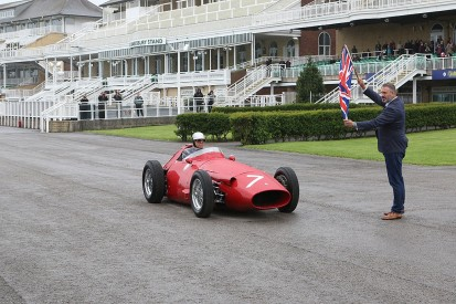 Aintree celebrates legacy of Sir Stirling Moss