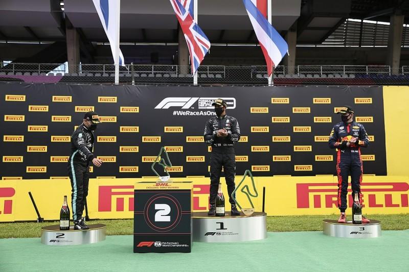 "Hamilton: New F1 trophy robots are ""weird"" and ""OTT"""