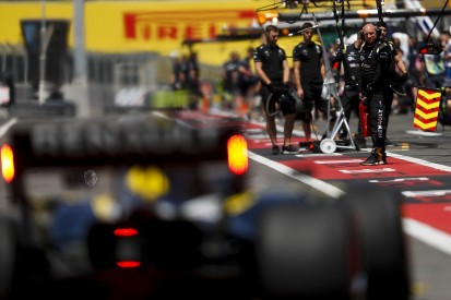 Abiteboul: One positive COVID-19 test could bring down whole F1 team
