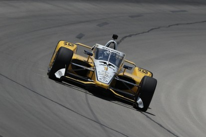 Newgarden takes pole for IndyCar opener at Texas as Sato crashes