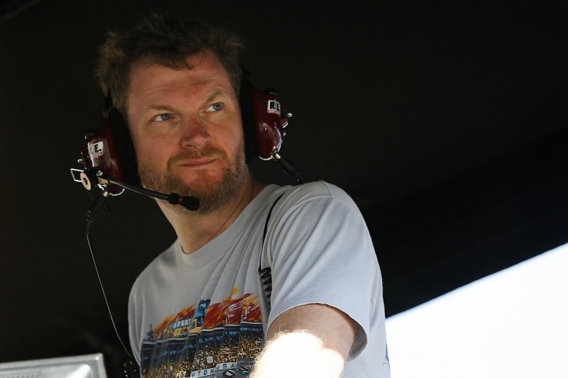 Earnhardt hopes to avoid trouble in IndyCar Esports debut