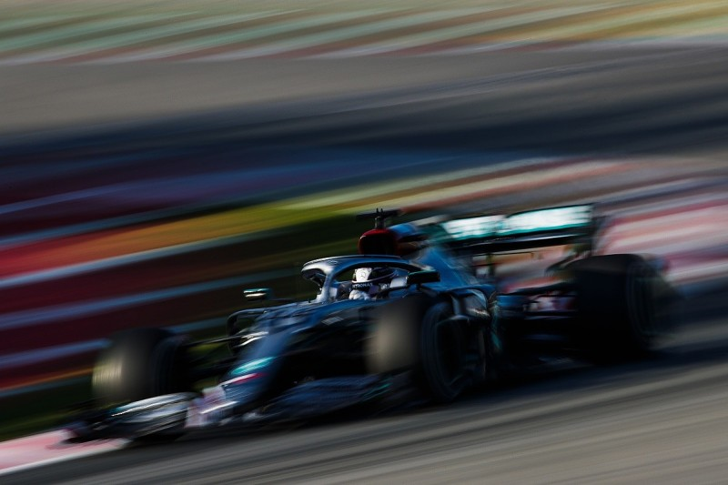 How many races does Formula 1 need to declare a season?