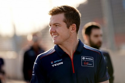 Cassidy tops Formula E Marrakech rookie test with new lap record