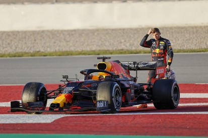 Barcelona F1 testing: Late stoppages for Red Bull teams, Kubica on top