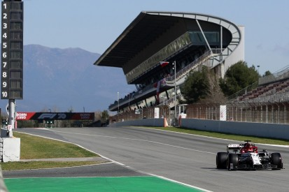 Barcelona F1 testing: Alfa's Kubica leads first morning of test two