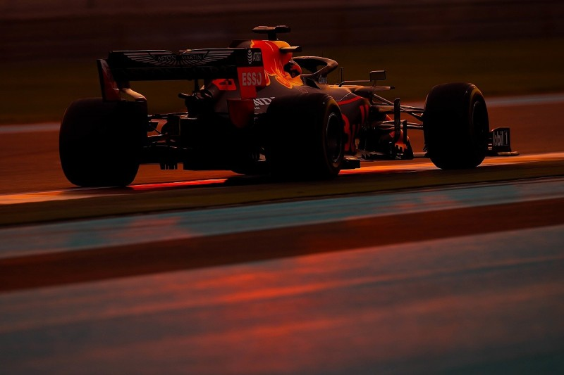 All 10 F1 teams to build mule cars for 18-inch tyre testing in 2020