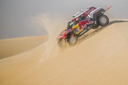 Peterhansel wins Dakar stage 11, Sainz holds healthy lead