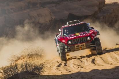 Carlos Sainz Sr wins another stage to extend 2020 Dakar Rally lead