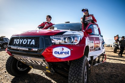 Dakar 2020: Alonso loses time in stage two after crash repairs