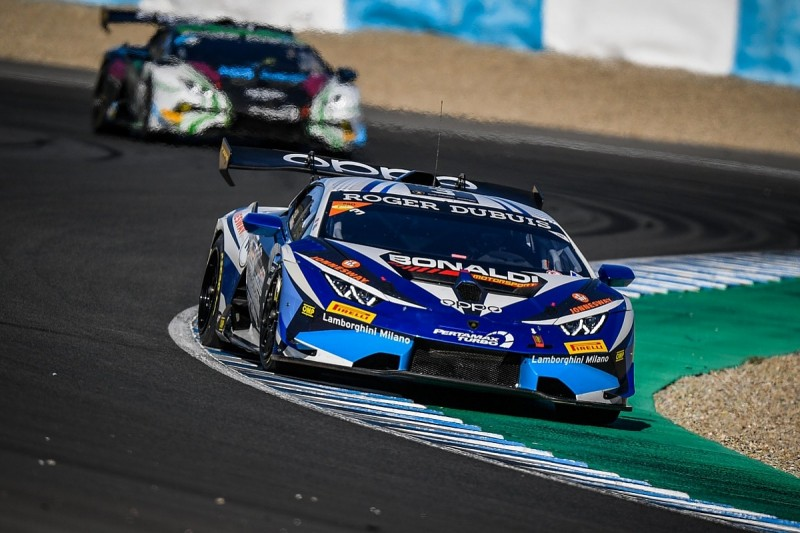 Track Test: Lamborghini Super Trofeo