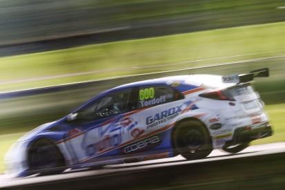 Sam Tordoff sets fastest time in BTCC Oulton Park practice session