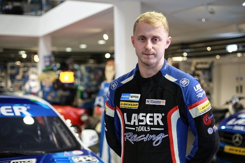 Sutton joins Moffat at new-look Laser Tools Infiniti BTCC team