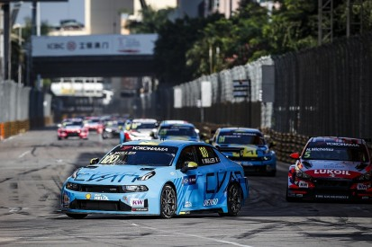Macau WTCR: Yvan Muller controls opener amid Lynk & Co team orders