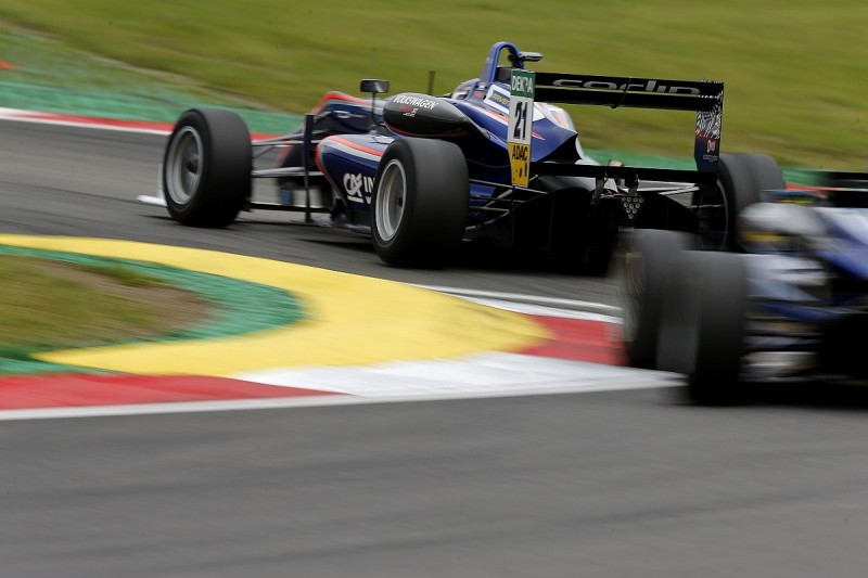 Carlin expands to fifth 2018 European Formula 3 entry for Troitskiy