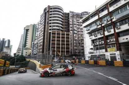 Macau WTCR: Rob Huff leads Andy Priaulx in Thursday practice