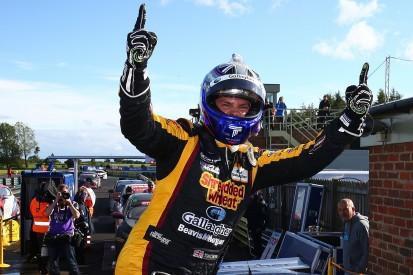 BTCC Croft: Chilton wins race three after wet tyre choice, Cook P2