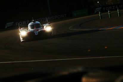 Le Mans 24 Hours: Lopez leads after Toyotas battle, Laurent crashes
