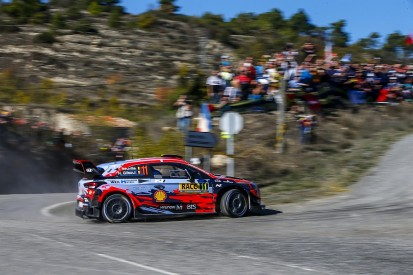 WRC Spain: Neuville closes on win, Tanak nears title
