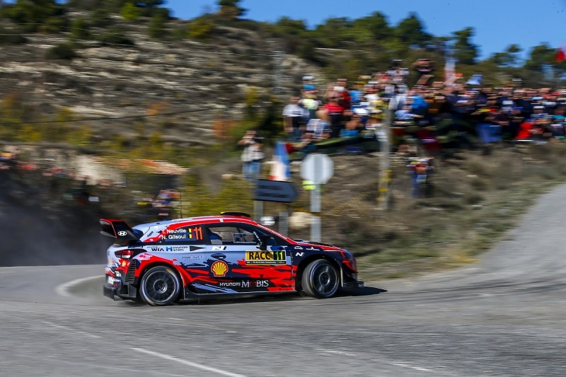 WRC Spain: Neuville closes on win, Tanak nears title