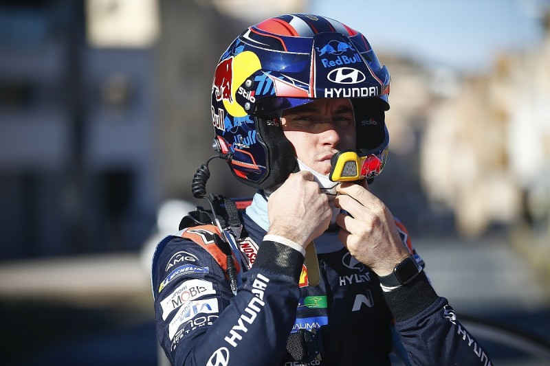 WRC Rally Spain: Neuville resumes lead as Meeke crashes out