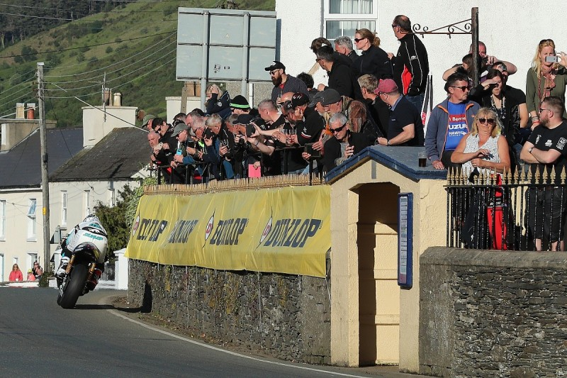 "Riders praise IoM TT organisers for ""seamless"" management of delays"