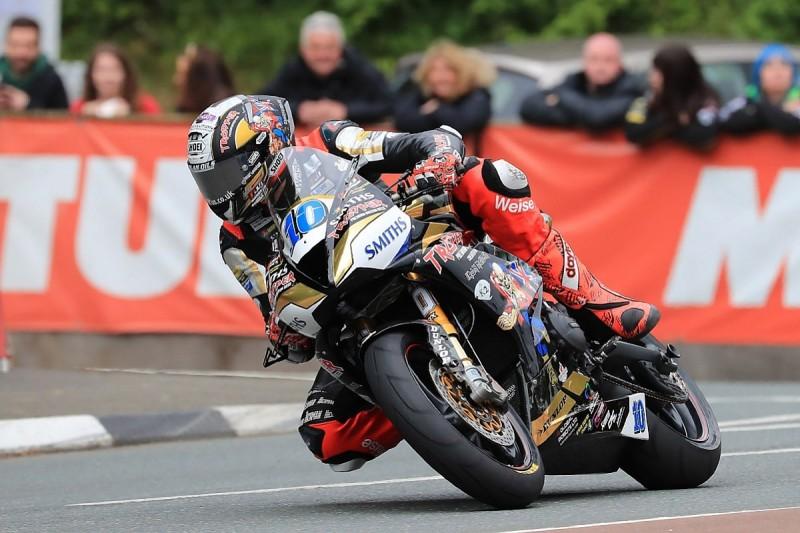Hickman beats Harrison to win tense second IoM TT Supersport race