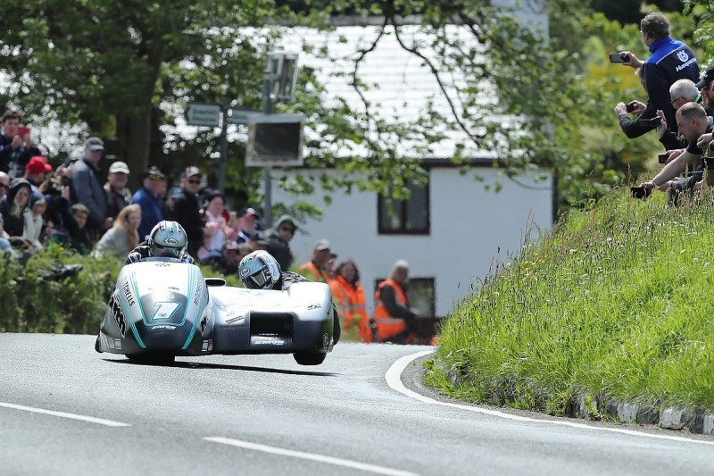 Birchall brothers dominate second 2019 Isle of Man TT Sidecar race