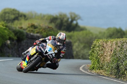 IoM TT: Rain forces Supersport postponement, Senior finale moved