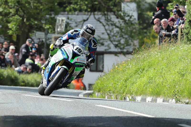 Superbike rider Daley Mathison dies in Isle of Man TT crash