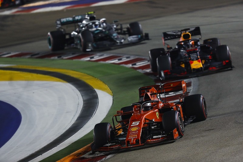 """Hamilton predicts """"awesome"""" Formula 1 three-team fight in Japan"""